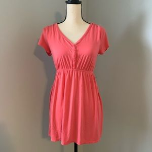 Flowy pink maternity shirt